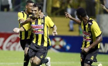 Claudio Cardozo y su inicio arrollador en el Torneo de Apertura
