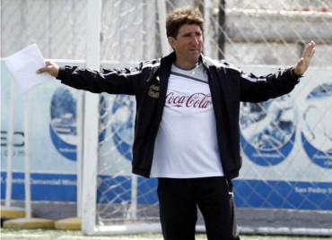 """Vargas: """"Apuesto con quien sea, que terminamos de líderes del torneo"""""""
