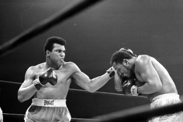 Los guantes de Ali contra Frazier se subastaron por 388 mil dólares