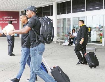 Apenados llegaron los jugadores del Real España a Honduras