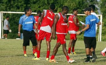 Primi Maradiaga puso en el scanner a sus jugadores