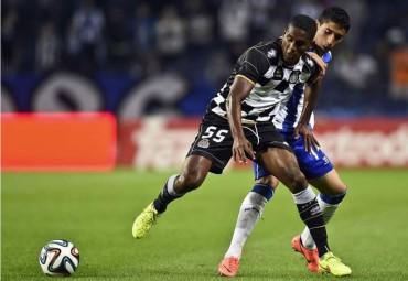 Brayan Beckeles es titular con el Boavista de Portugal