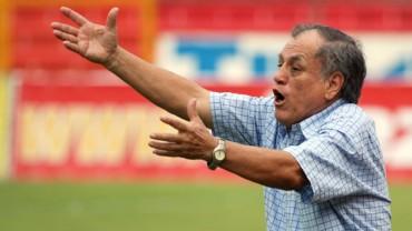 """Chelato Uclés: """"Están desperdiciando el talento de Romell Quioto"""""""