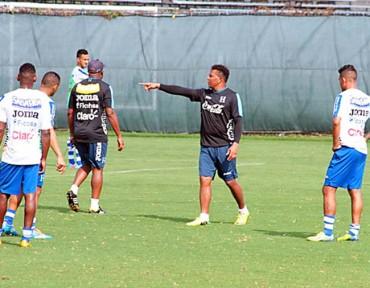 Medford desde hoy comienza a preparar el juego ante El Salvador