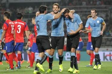 Uruguay derrotó 0-1 a Corea del Sur y afianzó su renovación