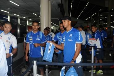 Honduras volvió a San Pedro Sula después del amistoso ante México