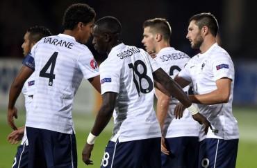 Benzema no juega y Griezmann marca en el triunfo de Francia