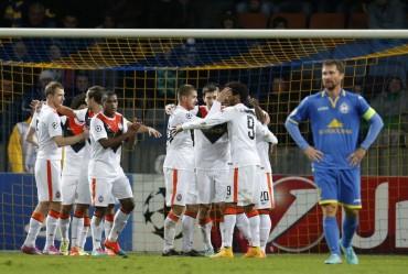 El Shakhtar de Luiz Adriano se da un festín a costa del débil Bate
