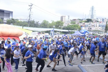 Capitalinos participaron en la Primera maratón contra la pobreza