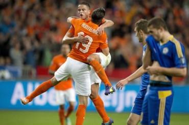 Afellay evita el sonrojo de Holanda