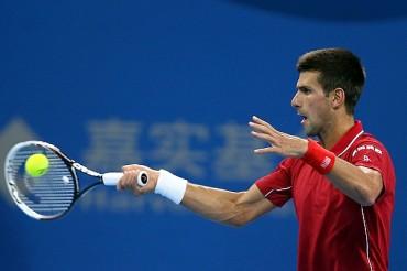 Djokovic evitó remontada de Pospisil en China