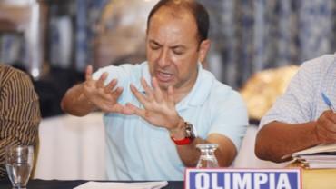 Osman Madrid se quejó del trato que le dan al Olimpia en la Liga Nacional