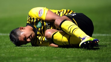 Emilio Izaguirre fue titular con el Celtic pero salió lesionado