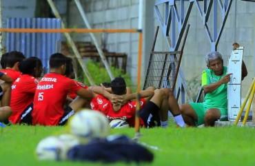 Héctor Castellón y sus Jugadores tiene sed de triunfo