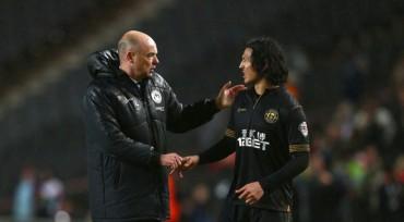 Roger le pidió a su técnico que lo deje irse del Wigan