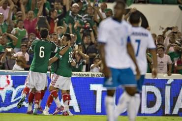 Sin mucho brillo México vence a Honduras con tranquilidad