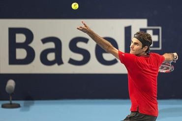 Federer remontó para avanzar en Basilea