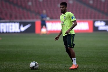 """Neymar: """"Complicado enfrentar a Messi"""""""