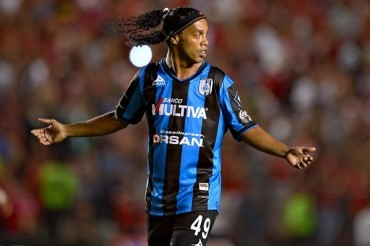 "Ronaldinho alzó la voz: ""Basta de racismo"""