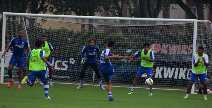 La Bicolor hizo su primer entrenamiento en el Estadio Mizuho Athletic