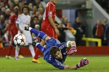 Casillas ya es el futbolista con más partidos en Champions