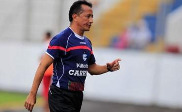 Jorge Pineda pasara la escoba en Victoria