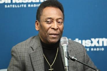 Pelé volvió a ser hospitalizado en Sao Paulo