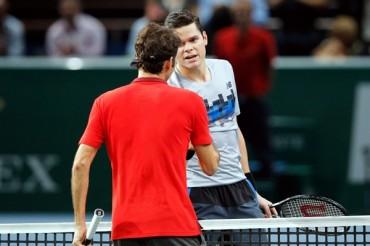 Raonic sorprendió a Federer en París