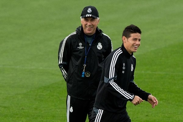 xcarlo-ancelotti-y-james.jpg.pagespeed.ic.N_oG9UtMFa