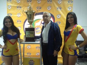 Liga Nacional presenta la Copa para el Campeón del Apertura 2014-2015