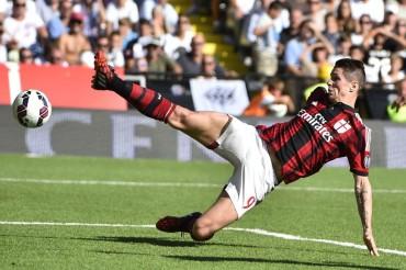 El Milán desea suerte a Torres