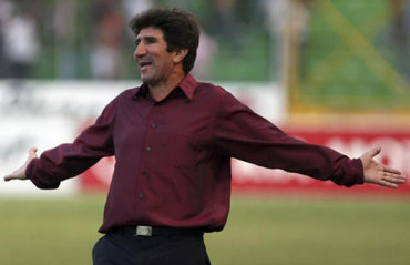 "Héctor Vargas: ""Faltan 90 minutos mas, no todo esta escrito"""