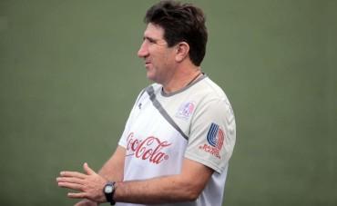 """Héctor Vargas: """"No se de donde sacan que Osman Chávez viene al equipo"""""""