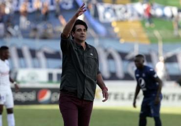 """Diego Vázquez: """"Felices de haber eliminado al rival de siempre"""""""