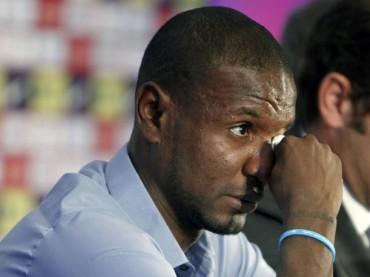 Eric Abidal se retira del fútbol profesional