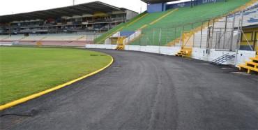 Alcalde capitalino repara pista del Estadio Nacional