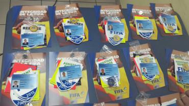 Hacen entrega de los gafetes FIFA a los árbitros Hondureños