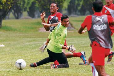 El Olimpia goleó a la UPNFM en partido de preparación