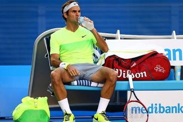 Federer dedicó triunfo a su entrenador Edberg