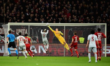 El Bayer Leverkusen domina y vence al Atletico de Madrid