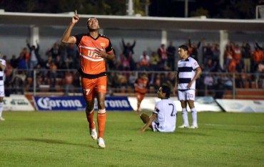 Eddie Hernández se esta convirtiendo en Ídolo goleador del Correcaminos