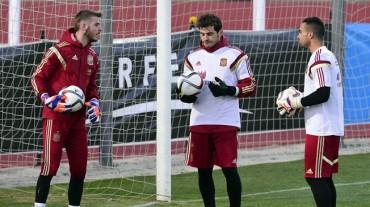 """De Gea: """"Iker sigue siendo el titular de España"""""""