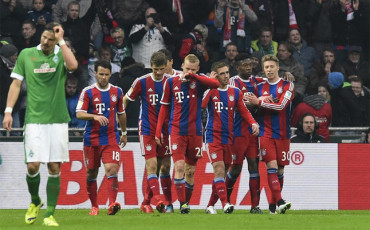 El Bayern golea al Werder Bremen en el debut de Pepe Reina