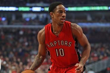 Raptors 99, Rockets 96; DeRozan opacó a la 'Barba'
