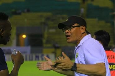 Leo Asís sustituyó a Hernán García y debutara ante Olimpia
