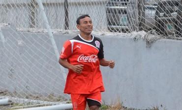 Javier Portillo sigue en problemas en el Olimpia