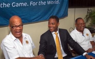 Patrick Kluivert, presentado como seleccionador de Curaçao