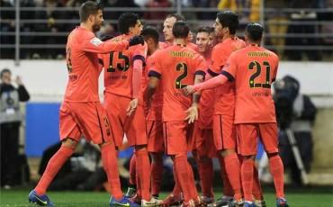 Barcelona vence al Eibar y llega al clásico como líderes
