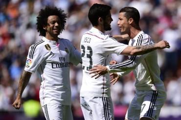 Real Madrid vence al Eibar y no le pierde la pista al Barcelona
