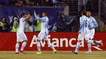 Argentina, con autoridad vence a Ecuador